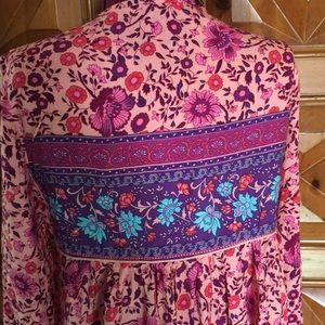 R Vivimos Dresses - Beautiful Boho Patterned Dress NWT